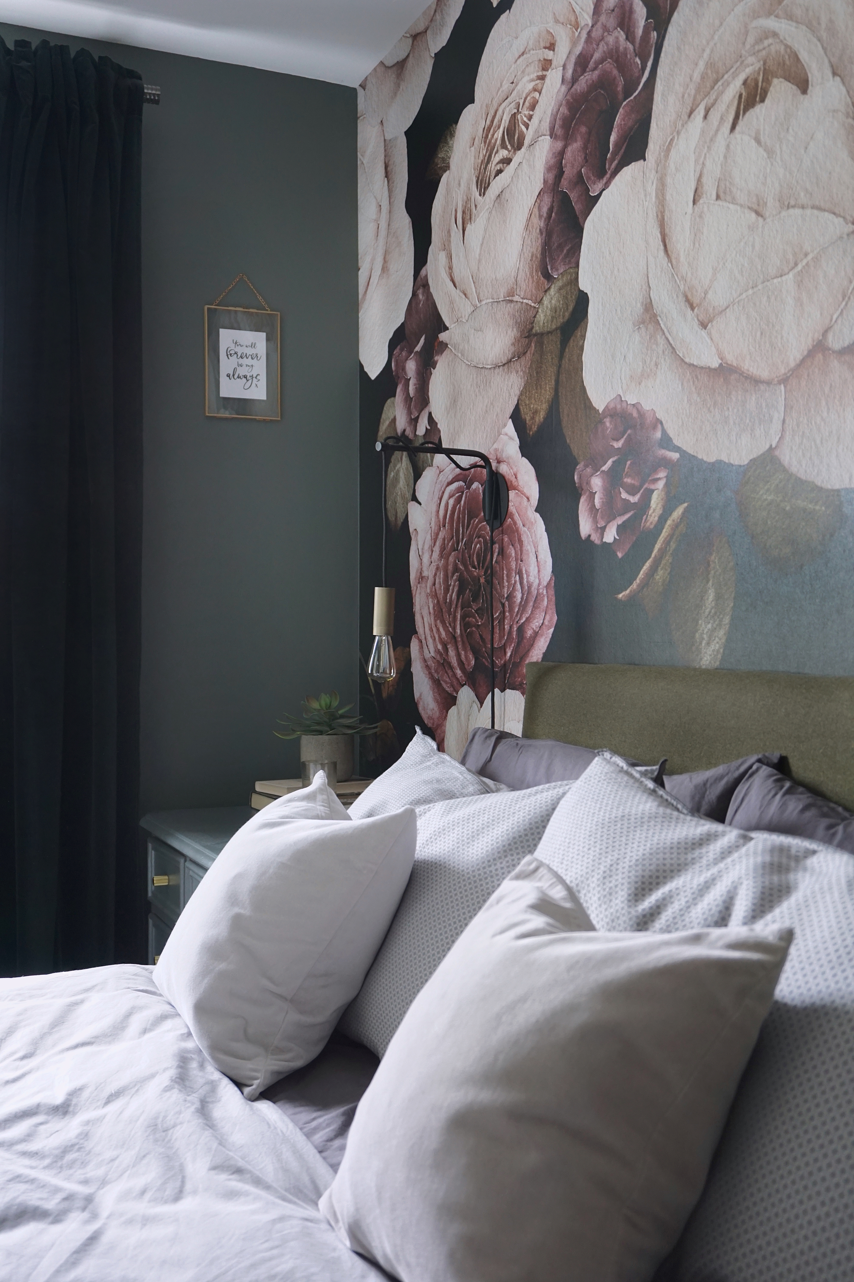 Floral wallpaper dark bedroom